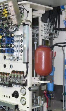 Angepasste Hydraulikanlage in Maschine